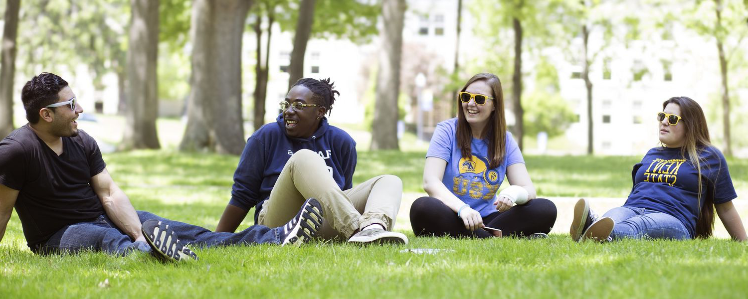 Students enjoy a beautiful spring day on campus.